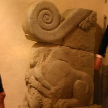 scala-altare del Tumulo II del Sodo